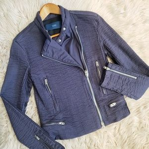 Closed Pleated Casual Jacket